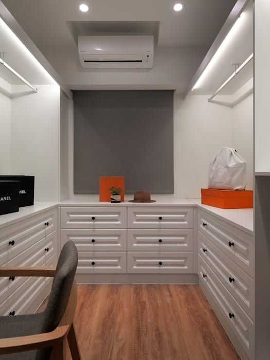 夢幻更衣室 化妝間:  更衣室 by 御見設計企業有限公司