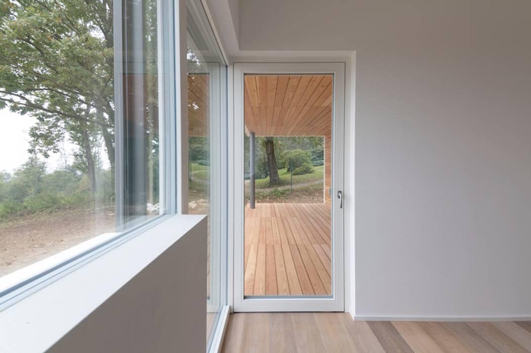 Modern style bedroom by Studio Ecoarch Modern