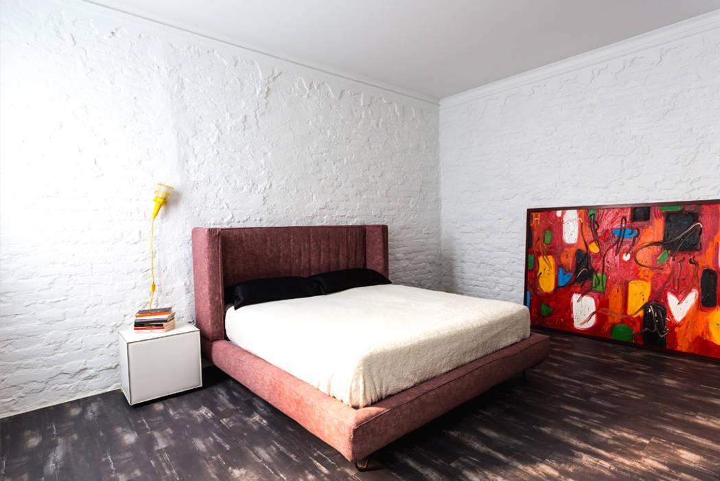 Casa anni \'30: camera da letto in stile di filippo coltro architetto ...