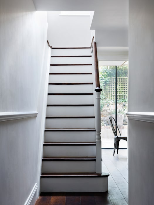 Staircase Modern Corridor, Hallway and Staircase by Brosh Architects Modern