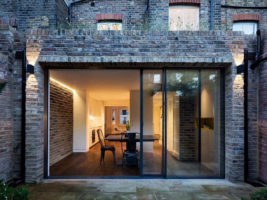 Rear extension: modern Houses by Brosh Architects
