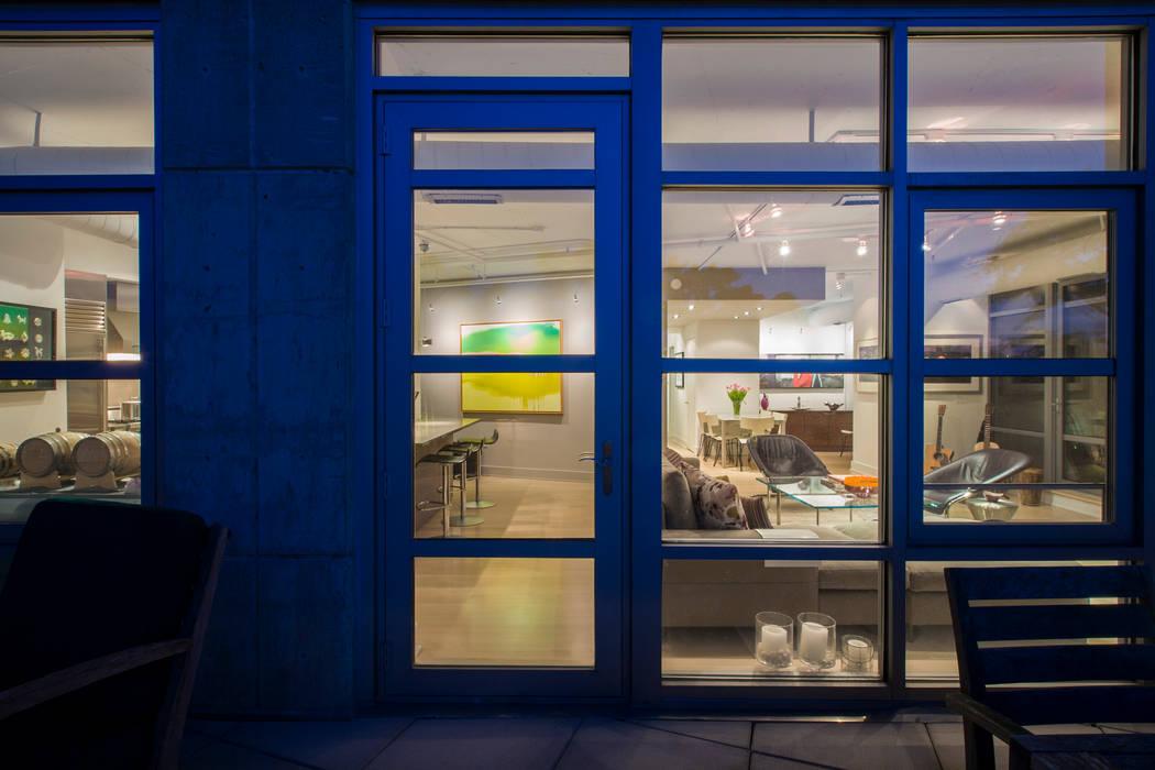 Penthouse on Church Street FORMA Design Inc. Modern Windows and Doors