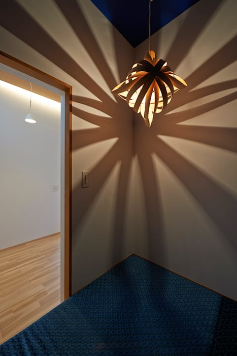 Oficinas de estilo moderno de (有)菰田建築設計事務所 Moderno