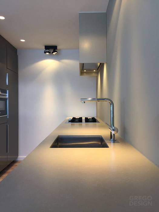 Maatwerk keukenontwerp:  Keuken door Grego Design Studio