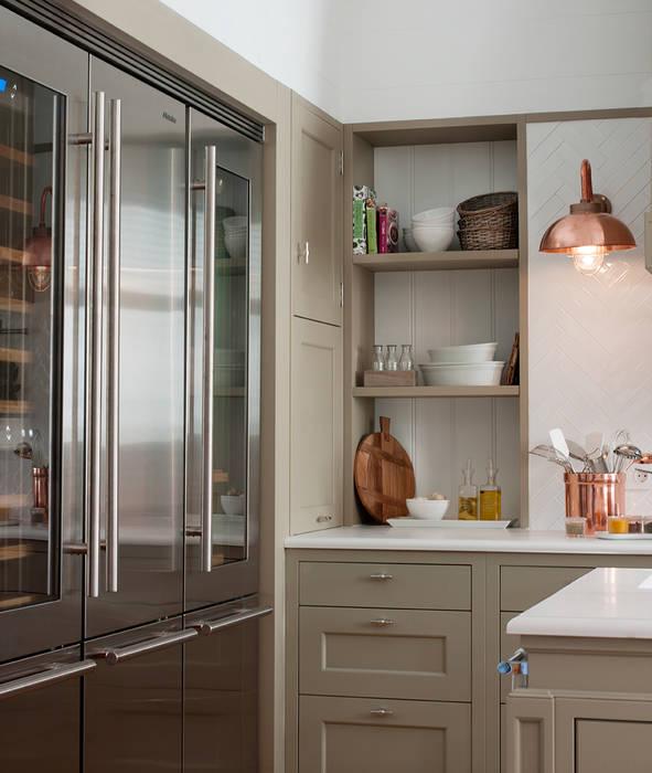Cozinhas clássicas por DEULONDER arquitectura domestica Clássico