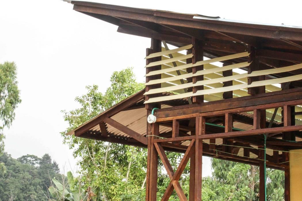 : Casas prefabricadas de estilo  por Ensamble de Arquitectura Integral,