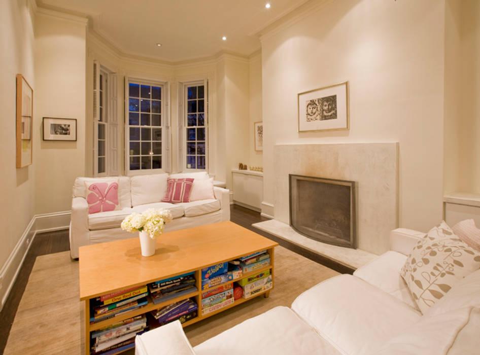 Moderne woonkamers van FORMA Design Inc. Modern