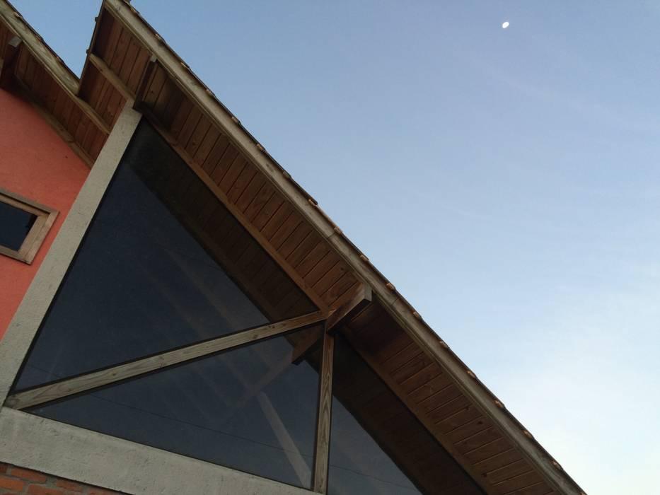 Casa Quero - quero A+R arquitetura Casas familiares Vidro Vermelho