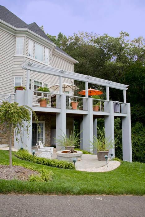 Balkon, Beranda & Teras Modern Oleh FORMA Design Inc. Modern