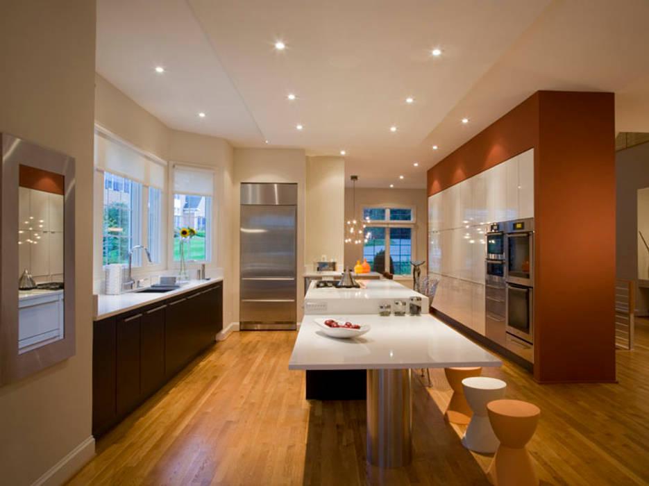 Cocinas de estilo moderno de FORMA Design Inc. Moderno