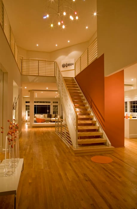 Modern Corridor, Hallway and Staircase by FORMA Design Inc. Modern