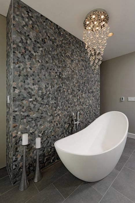 Banheiros modernos por BOWA - Design Build Experts Moderno