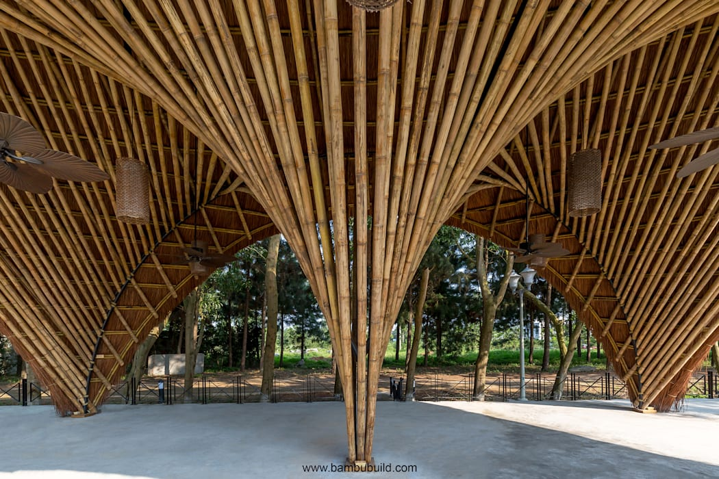 Exhibition centres by BAMBU, Tropical