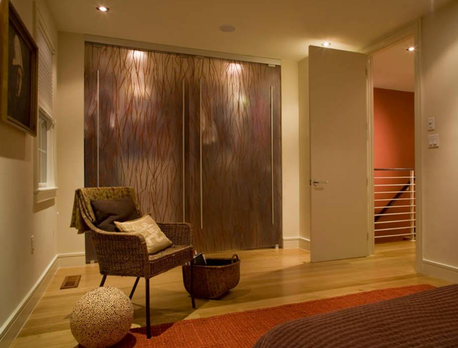 Dormitorios de estilo moderno de FORMA Design Inc. Moderno