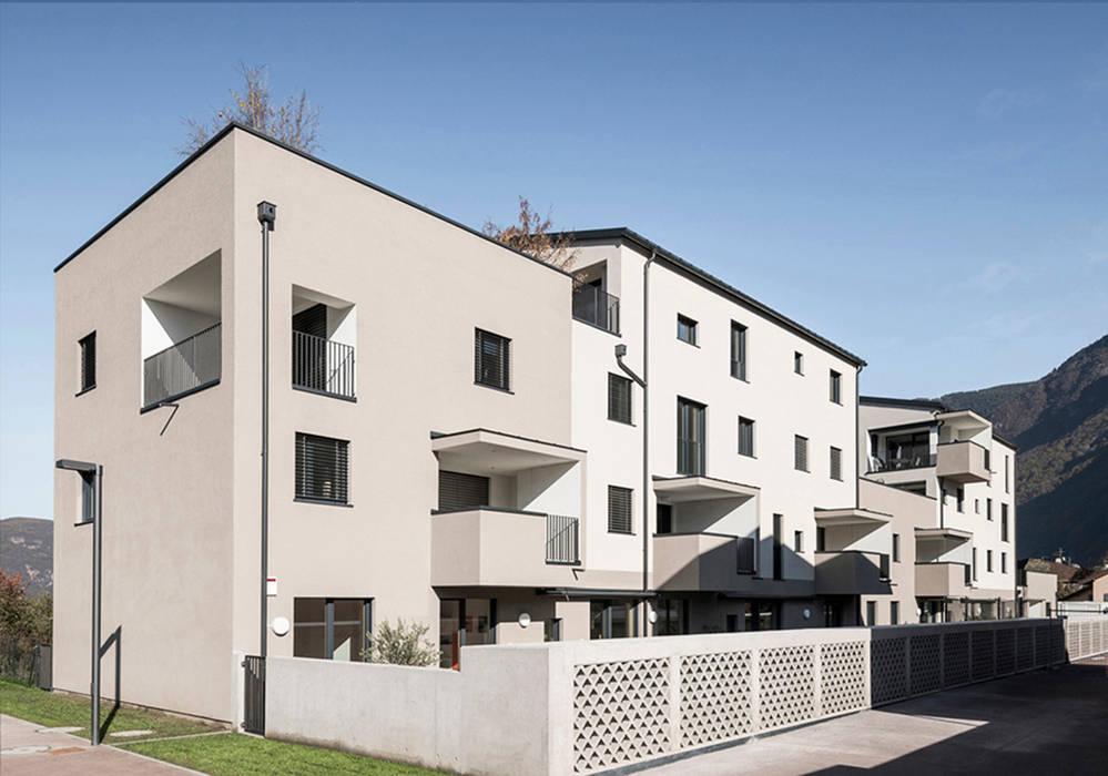 Rumah oleh Solarraum, Modern