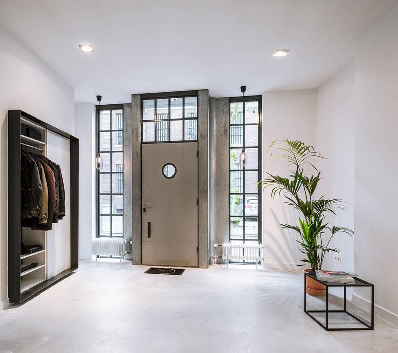 Puertas modernas de EVA architecten Moderno