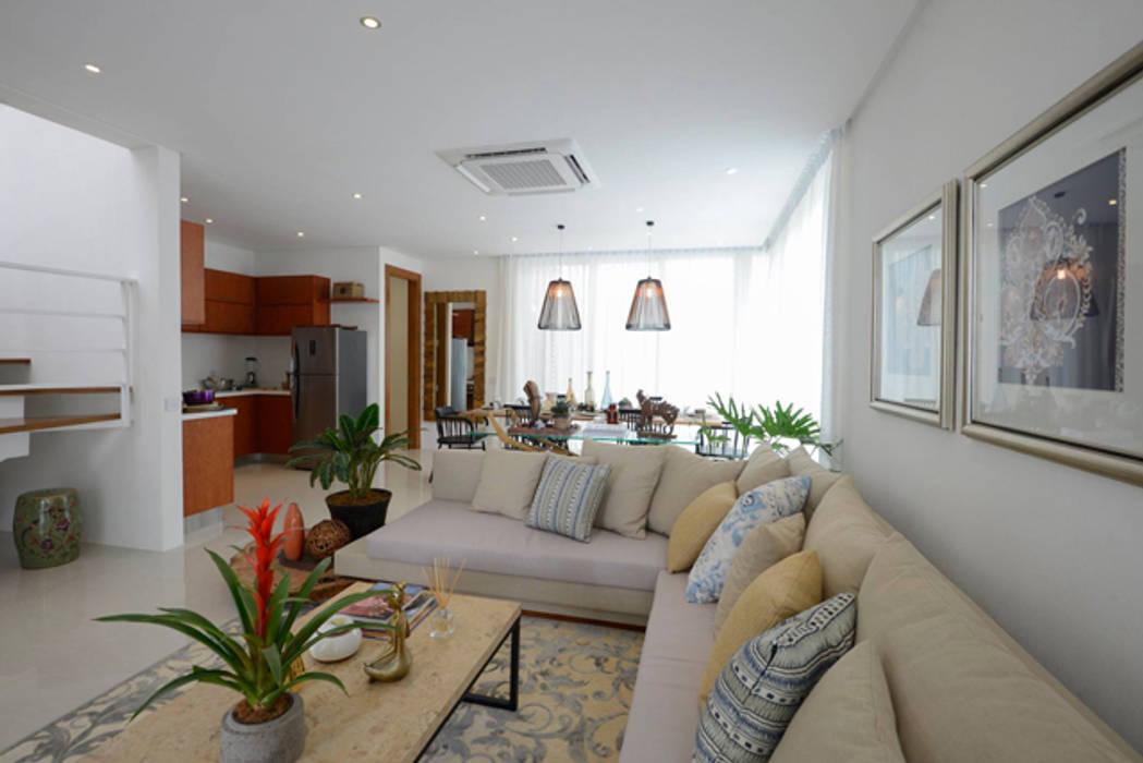 KASA:  Living room by Marilen Styles
