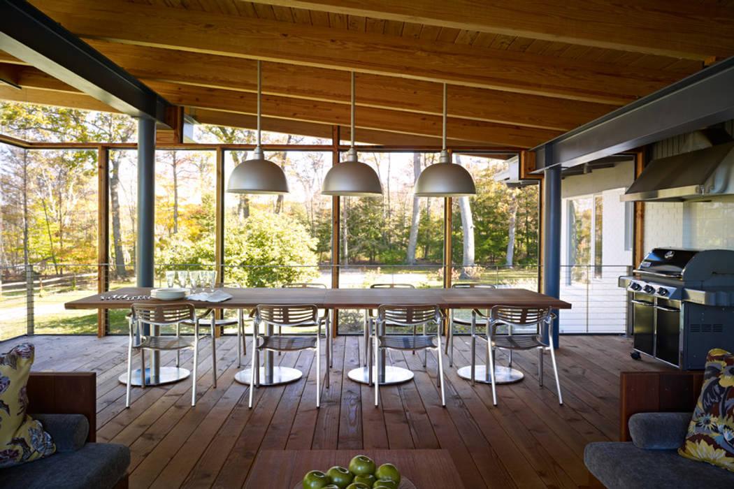 BILLINKOFF ARCHITECTURE PLLC Balkon, Beranda & Teras Modern