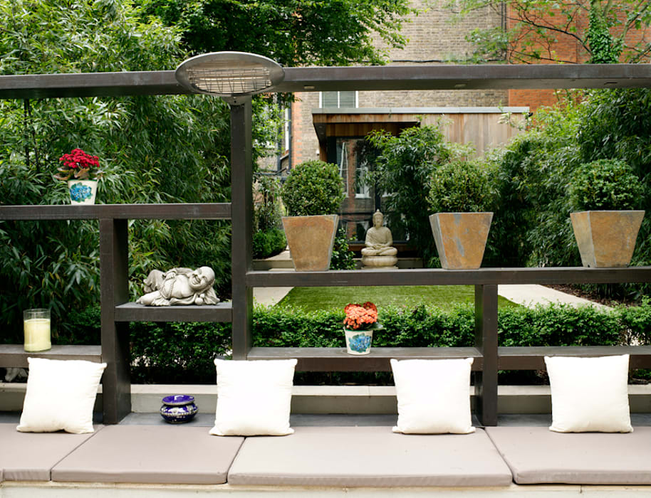 Railway sleeper pergola: modern Garden by Earth Designs
