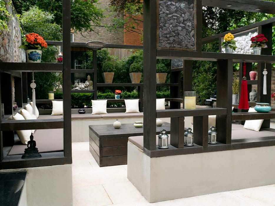 Outside room: modern Garden by Earth Designs