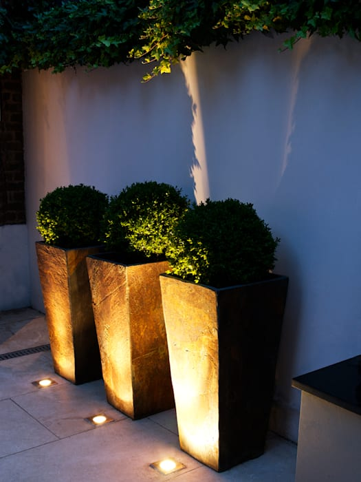 Slate planters:  Garden by Earth Designs