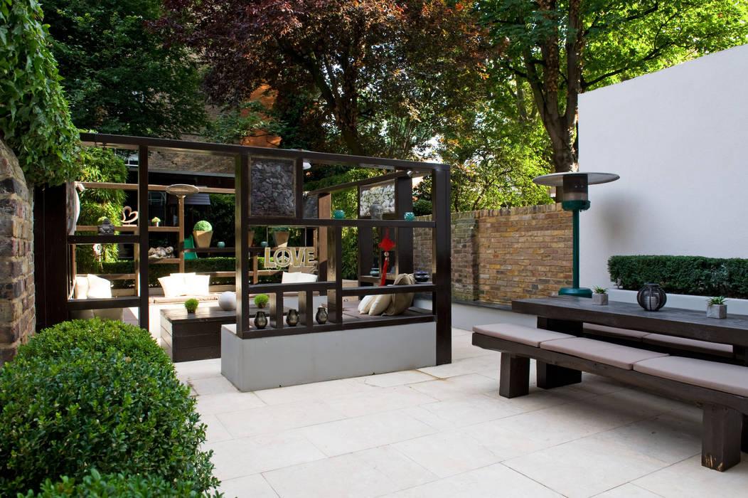 Modern Garden Design in West London: modern Garden by Earth Designs
