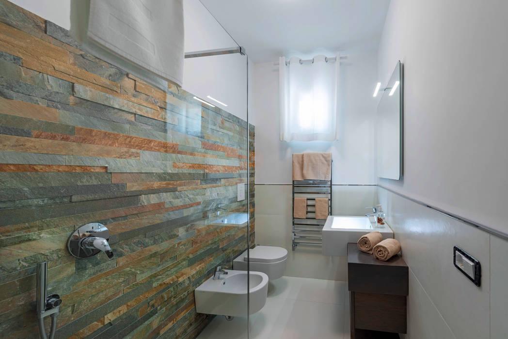 Mediterranean style bathrooms by Angelo De Leo Photographer Mediterranean Slate