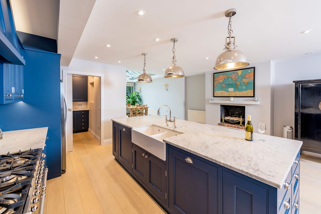 Kensington Blue Kitchen by Tim Wood Limited Сучасний