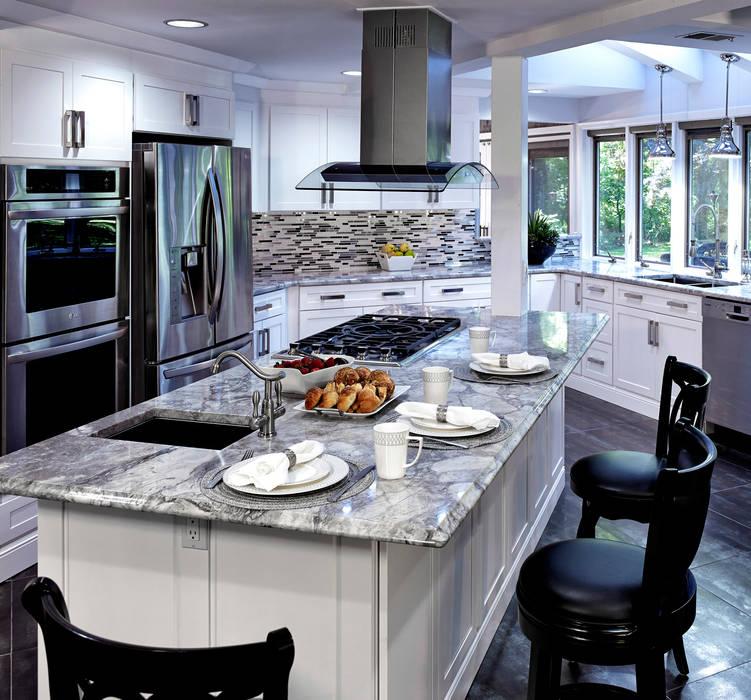 2014 Coty Award Wining Kitchen Main Line Kitchen Design Classic style kitchen