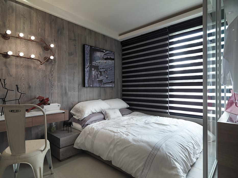Rustic style bedroom by KD Panels Rustic Wood Wood effect