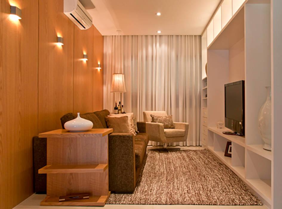 Salas multimedias de estilo  por MACHADO DE ALMEIDA ARQUITETURA E INTERIORES,