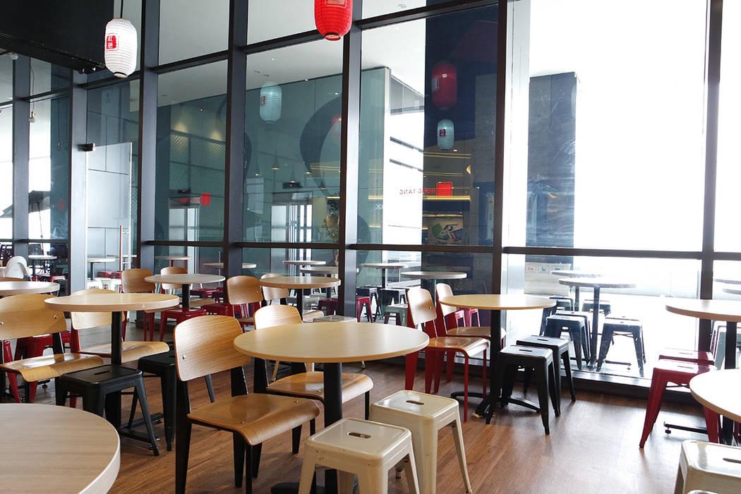 HONG TANG Baywalk Mall Pluit Evonil Architecture Ruang Makan Gaya Industrial Kayu Wood effect