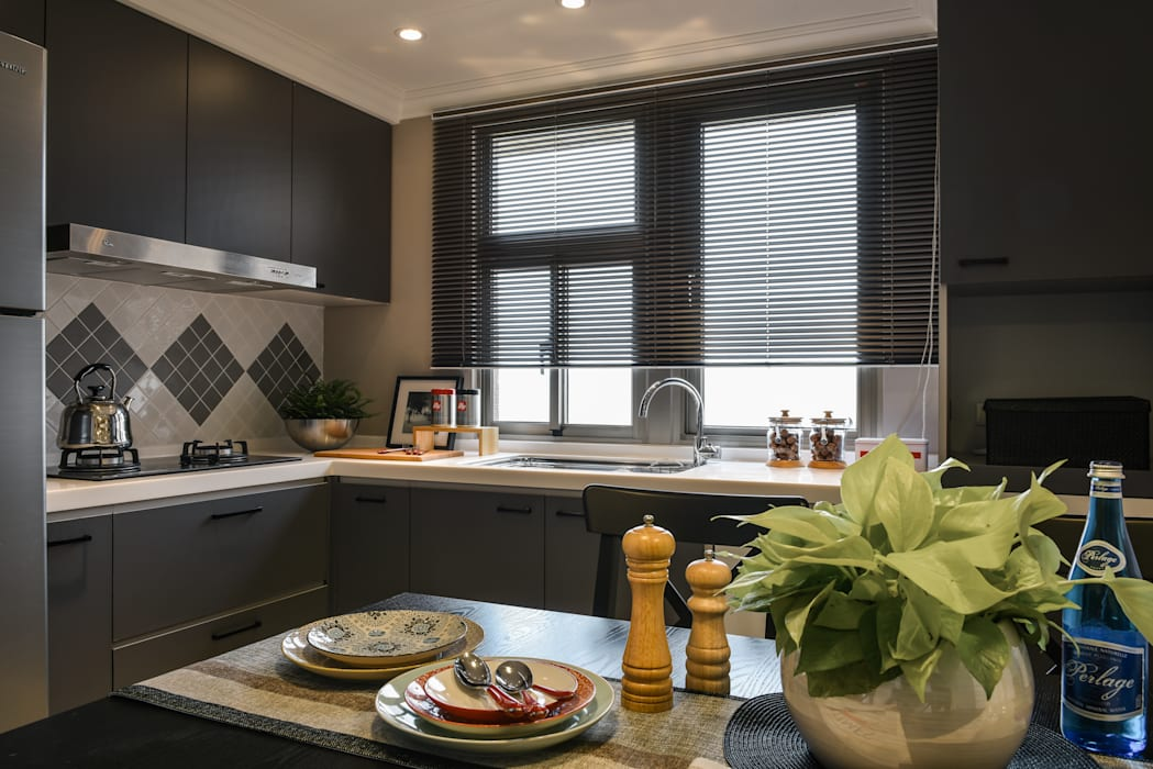 廚房:  系統廚具 by 存果空間設計有限公司