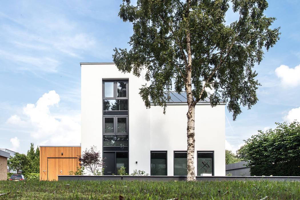 Voorgevel -:   door Bob Romijnders Architectuur & Interieur