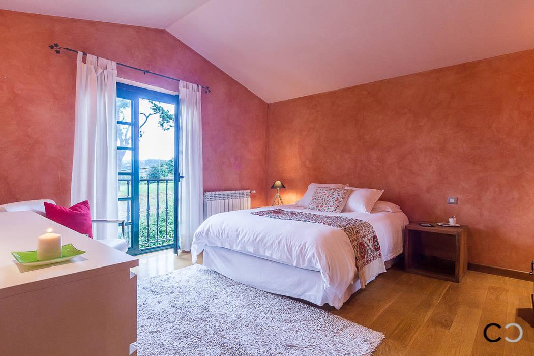 DORMITORIO PRINCIPAL Dormitorios de estilo rústico de CCVO Design and Staging Rústico