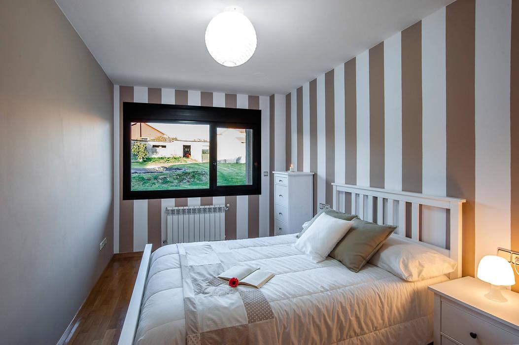 DORMITORIO Dormitorios de estilo rústico de CCVO Design and Staging Rústico