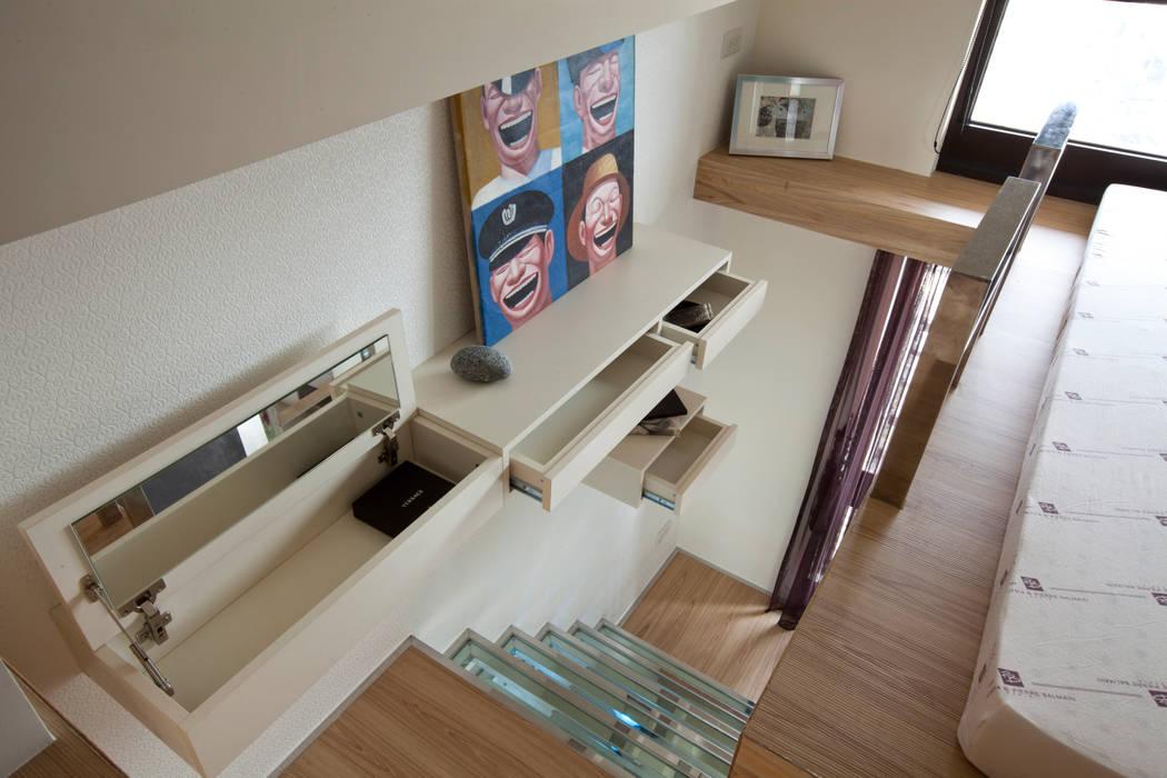 東區住宅 現代風玄關、走廊與階梯 根據 齊禾設計有限公司 現代風