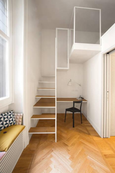 16VT: Studio in stile in stile Moderno di Chantal Forzatti architetto