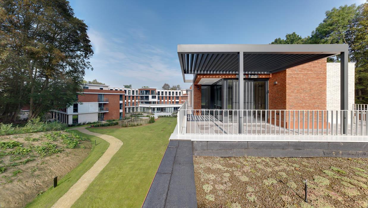 Brick Lane : modern Garden by IQ Outdoor Living