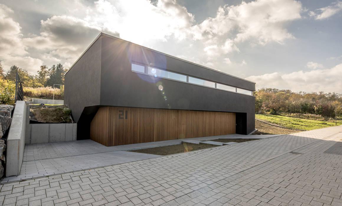 Haus DN:  Häuser von Henecka Architekten