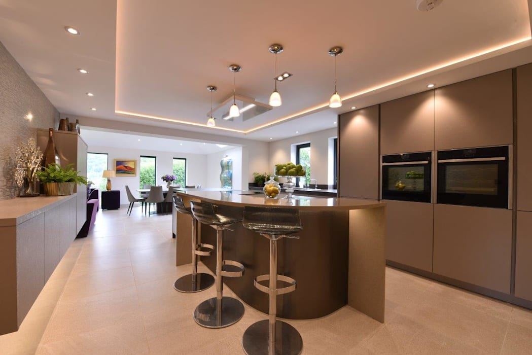 Mr & Mrs Horsburgh:  Kitchen by Diane Berry Kitchens
