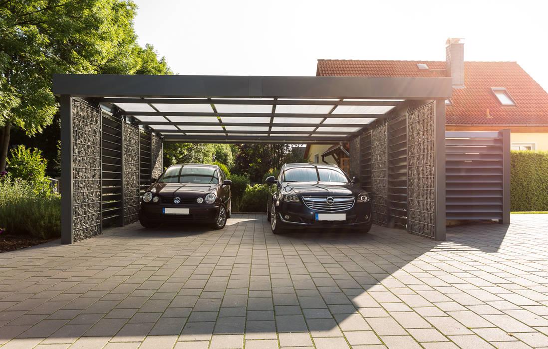 Doppelcarport mit seitlicher Mülltonneneinhausung aus Blechlamellen:  Carport von Steelmanufaktur Beyer,Modern Metall