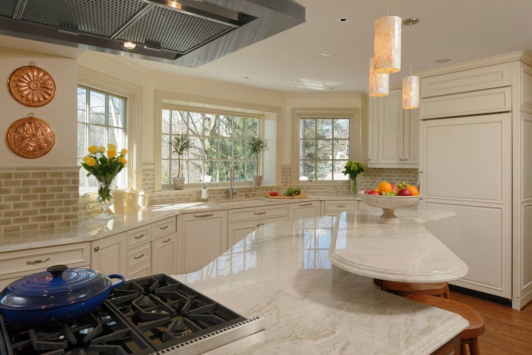 Cocinas de estilo clásico de BOWA - Design Build Experts Clásico