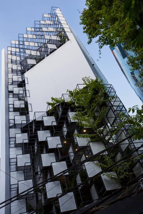 STH - Nhà thang bởi deline architecture consultancy & construction Hiện đại Sắt / thép