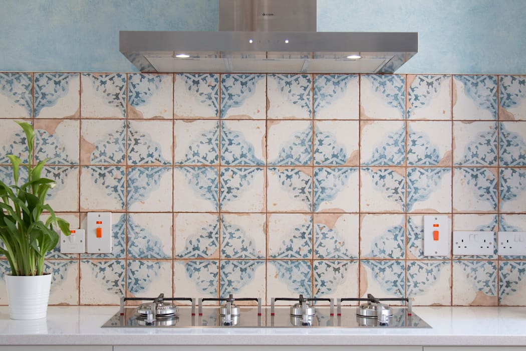 We love tiles!:  Built-in kitchens by ADORNAS KITCHENS
