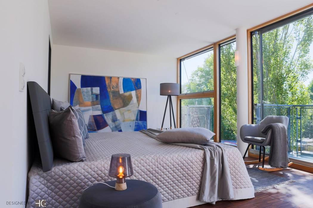 Münchner home staging Agentur GESCHKA Classic style bedroom Grey