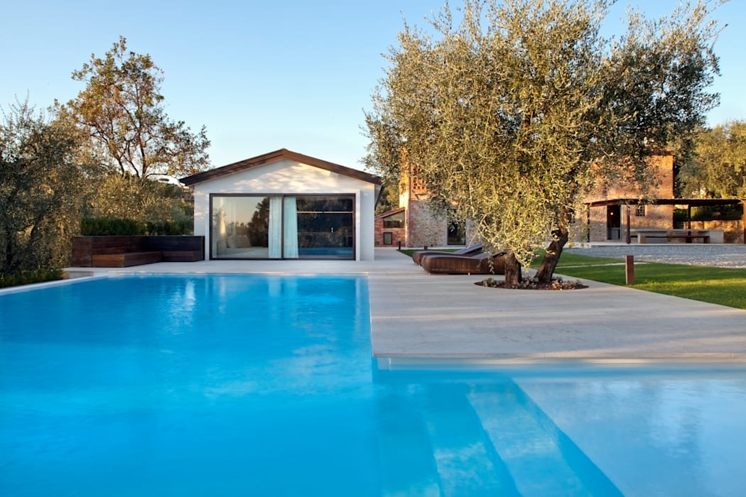 Infinity pool by MIDE architetti