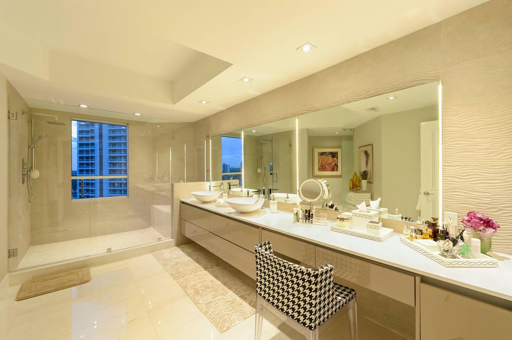 ห้องน้ำ โดย NIVEL TRES ARQUITECTURA, โมเดิร์น หินอ่อน