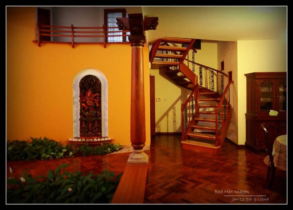 Sandarbh Design Studio Ausgefallener Flur, Diele & Treppenhaus