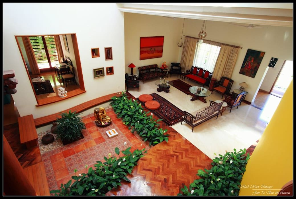 Temple Bells - Arati and Sundaresh's Residence Eclectic style living room by Sandarbh Design Studio Eclectic